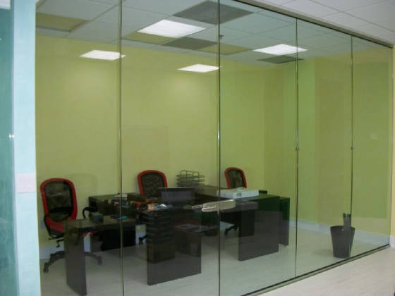 Tempered glass office partition 2