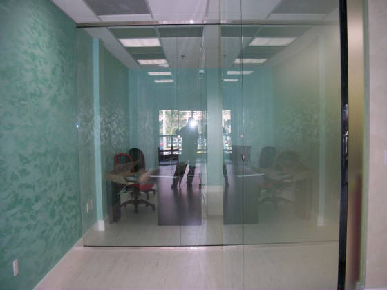 Tempered glass office partition 7