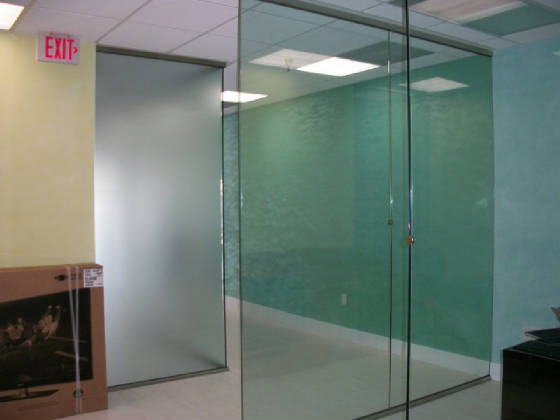 Tempered glass office partition 3
