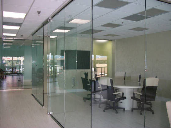 Tempered glass office partition 4